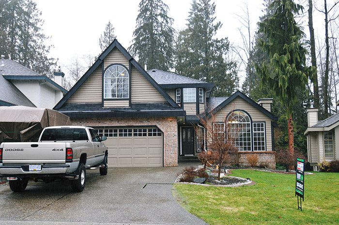 "Main Photo: 23686 108TH Loop in Maple Ridge: Albion House for sale in ""KANAKA RIDGE ESTATES"" : MLS®# R2146610"