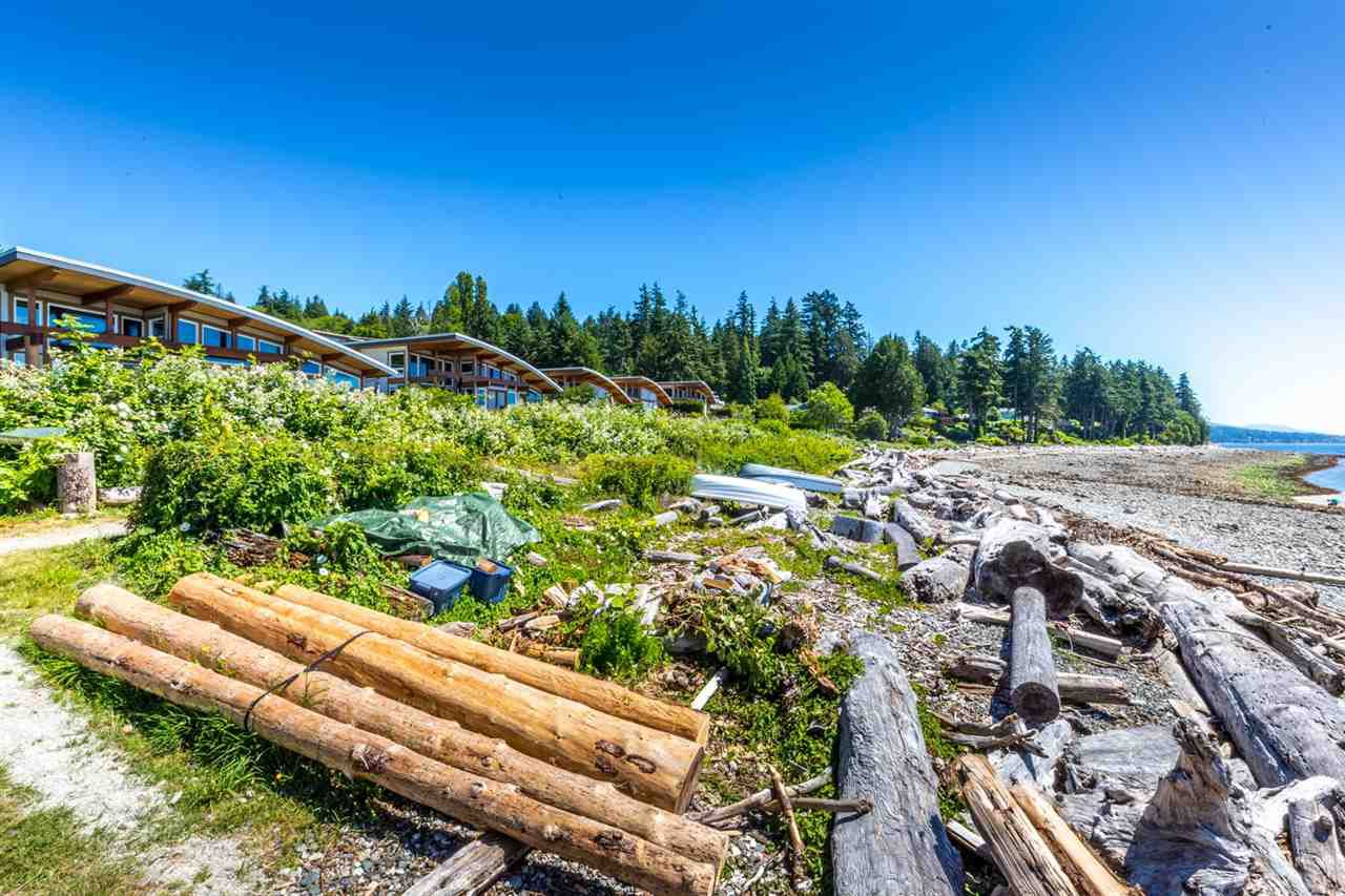 "Photo 14: Photos: 5398 WAKEFIELD BEACH Lane in Sechelt: Sechelt District Townhouse for sale in ""WAKEFIELD BEACH LANE - WATERFRONT"" (Sunshine Coast)  : MLS®# R2178419"