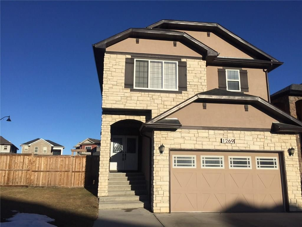 Fabulous curb appeal on an expansive corner lot and close to all amenities!