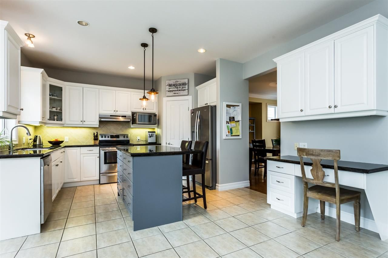 """Photo 5: Photos: 36568 E AUGUSTON Parkway in Abbotsford: Abbotsford East House for sale in """"Auguston"""" : MLS®# R2311652"""