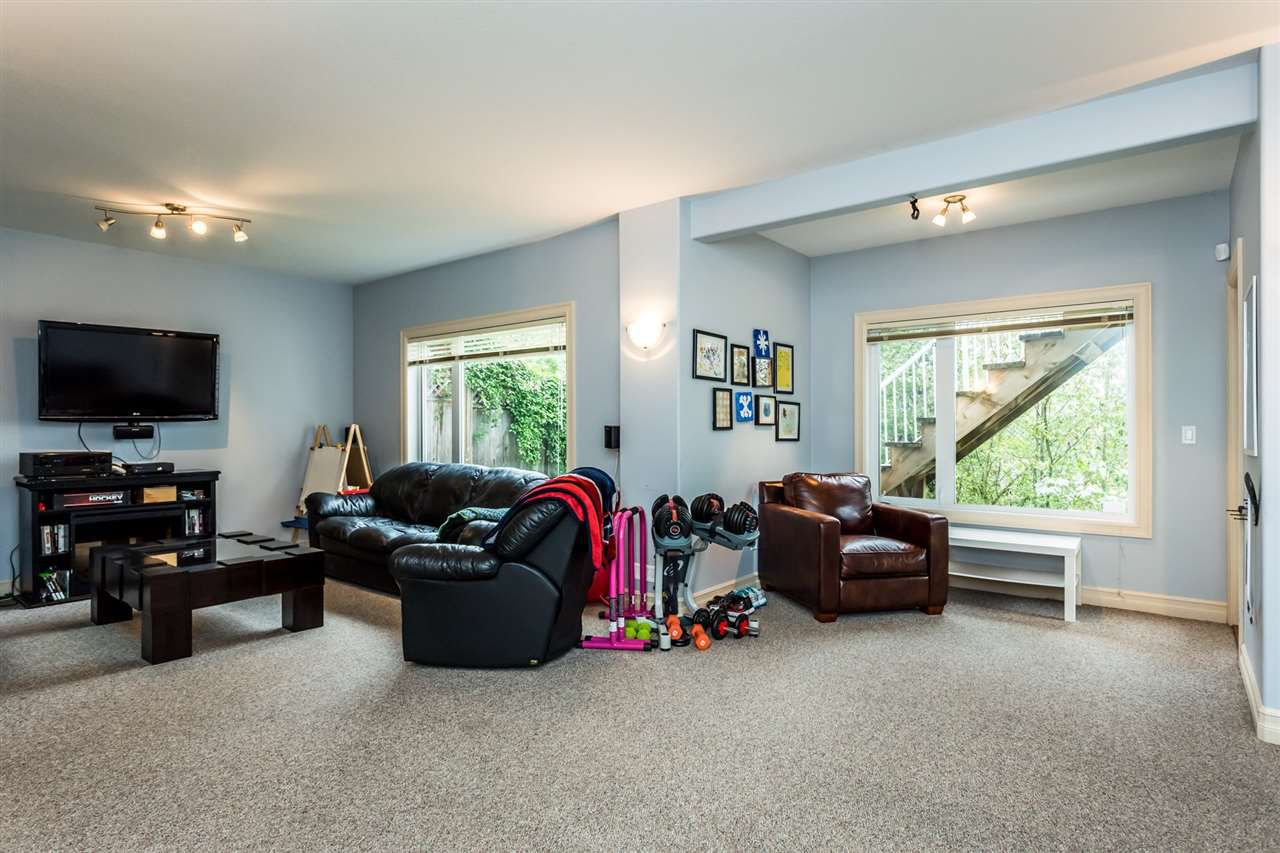 """Photo 18: Photos: 36568 E AUGUSTON Parkway in Abbotsford: Abbotsford East House for sale in """"Auguston"""" : MLS®# R2311652"""