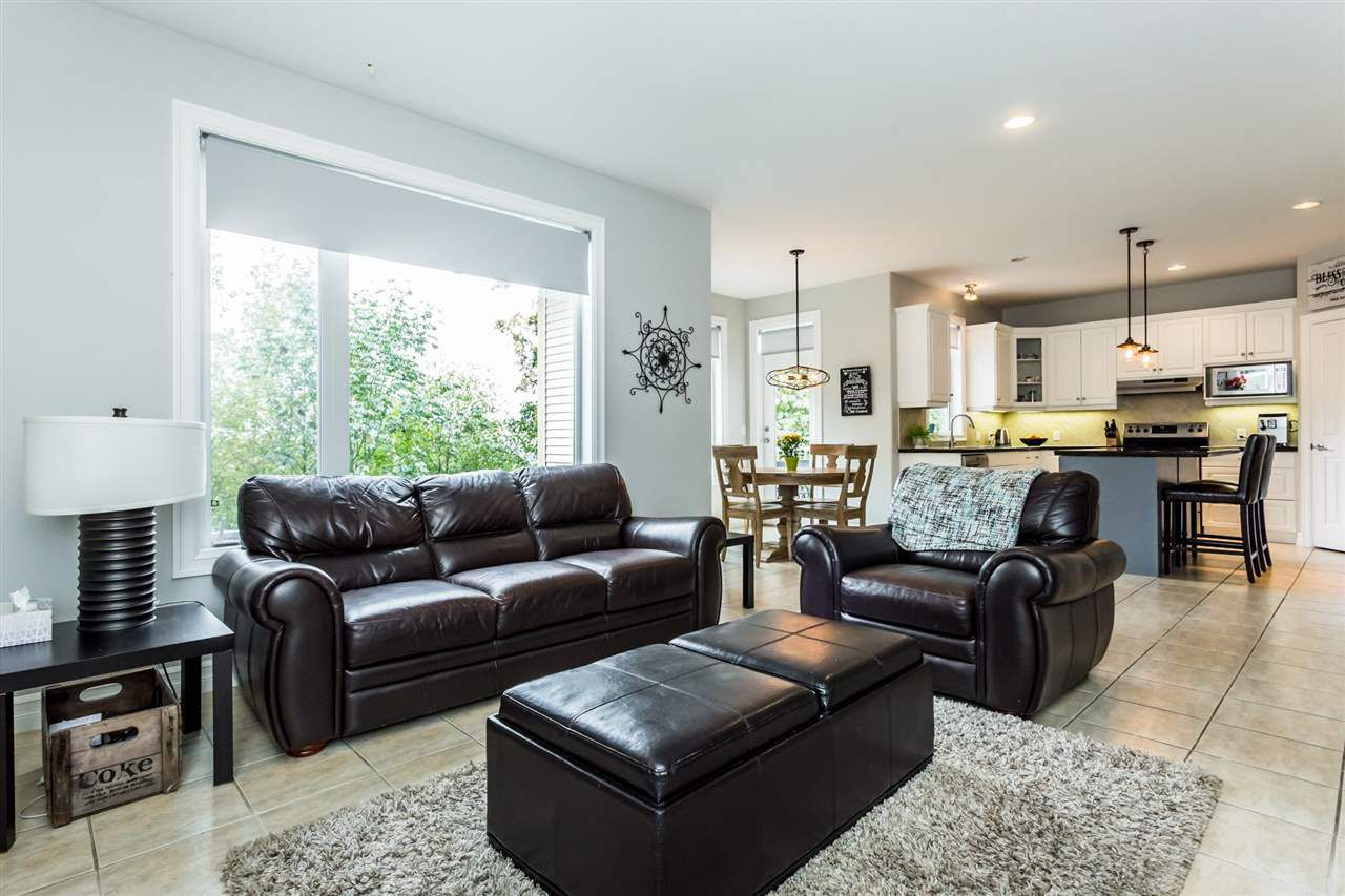 """Photo 3: Photos: 36568 E AUGUSTON Parkway in Abbotsford: Abbotsford East House for sale in """"Auguston"""" : MLS®# R2311652"""