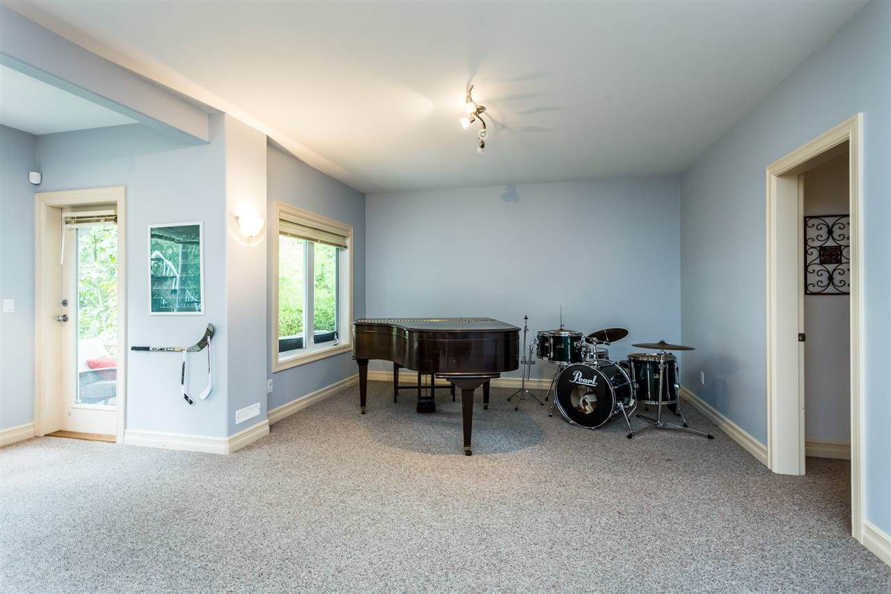 """Photo 17: Photos: 36568 E AUGUSTON Parkway in Abbotsford: Abbotsford East House for sale in """"Auguston"""" : MLS®# R2311652"""