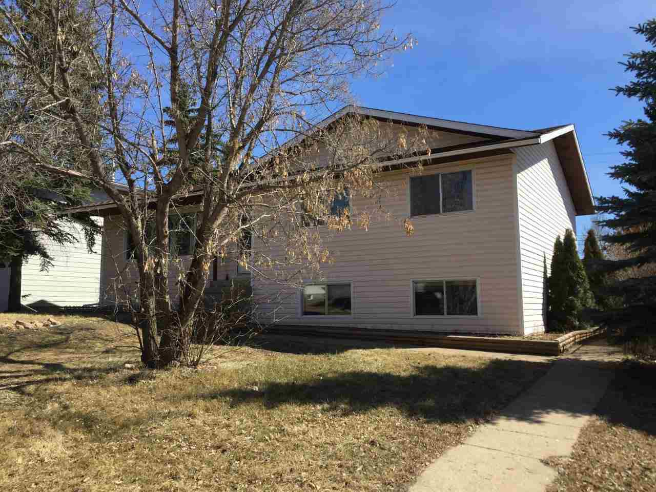 Main Photo: 4807 47 Street: Hardisty House for sale : MLS®# E4150963