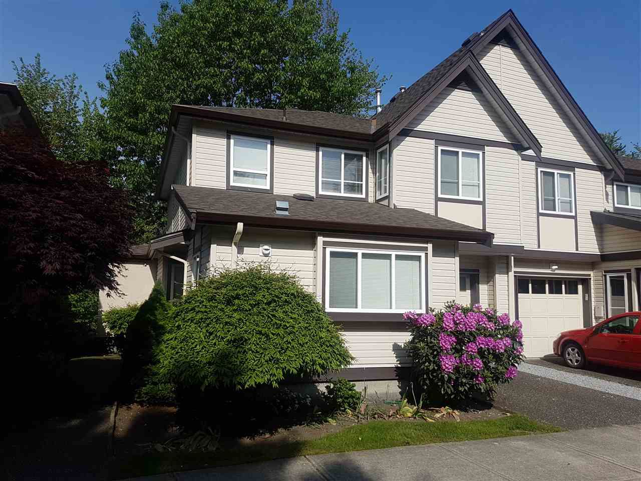 """Main Photo: 41 21801 DEWDNEY TRUNK Road in Maple Ridge: West Central Townhouse for sale in """"SHERWOOD PARK"""" : MLS®# R2369478"""