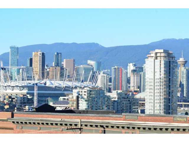 "Main Photo: # 710 251 E 7TH AV in Vancouver: Mount Pleasant VE Condo for sale in ""DISTRICT"" (Vancouver East)  : MLS®# V1037906"