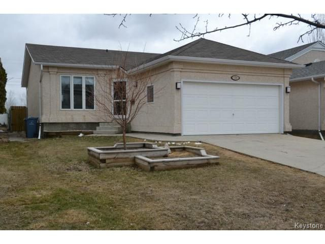 Main Photo: 79 Royal Oak Drive in WINNIPEG: Fort Garry / Whyte Ridge / St Norbert Residential for sale (South Winnipeg)  : MLS®# 1408361
