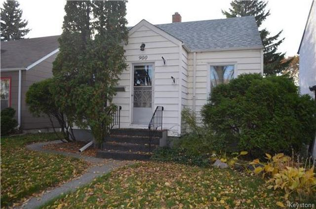 Cozy 2 bedroom bungalow on a quiet tree-lined street!