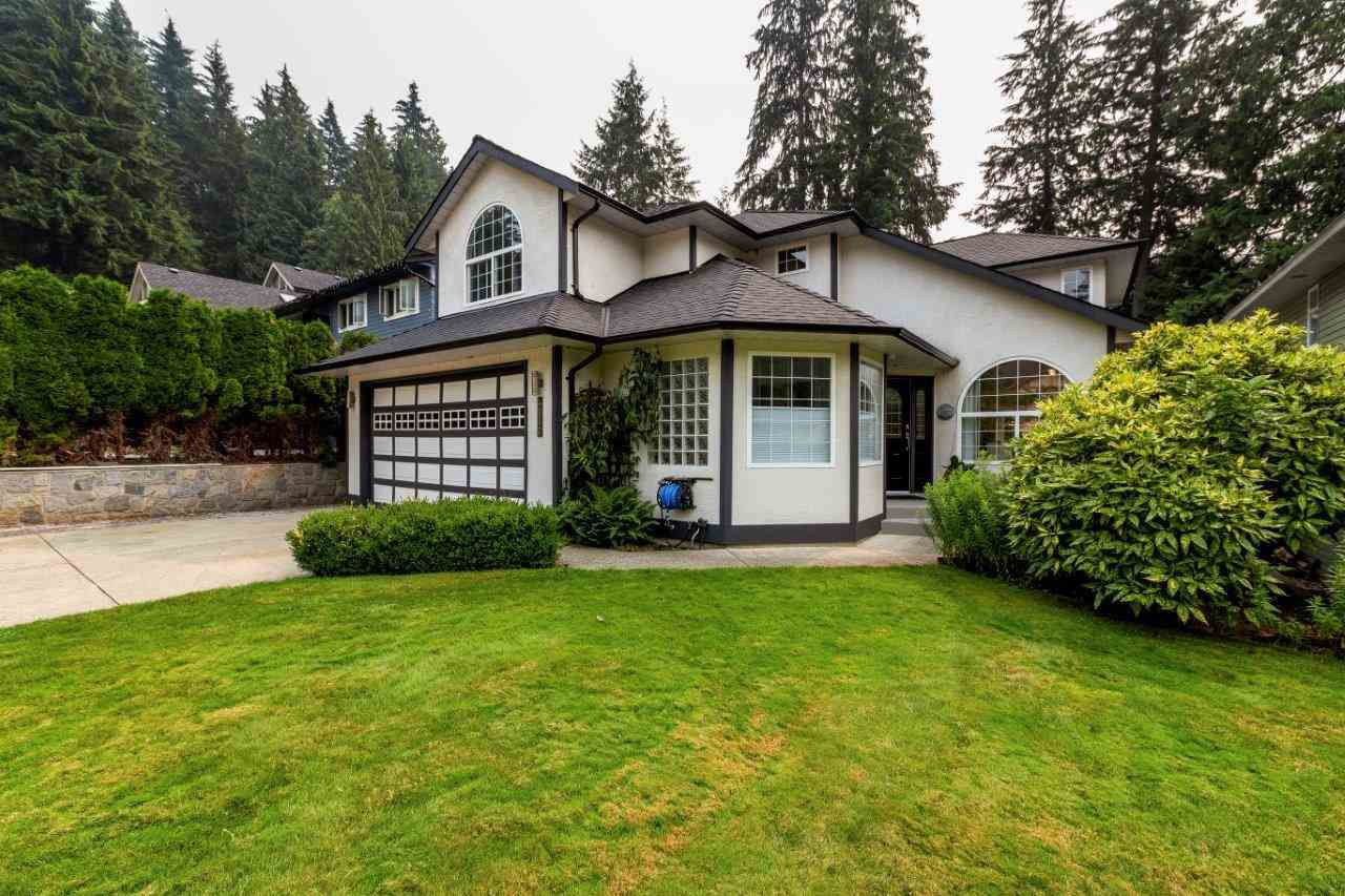 Main Photo: 4567 CLIFFMONT Road in North Vancouver: Deep Cove House for sale : MLS®# R2299771