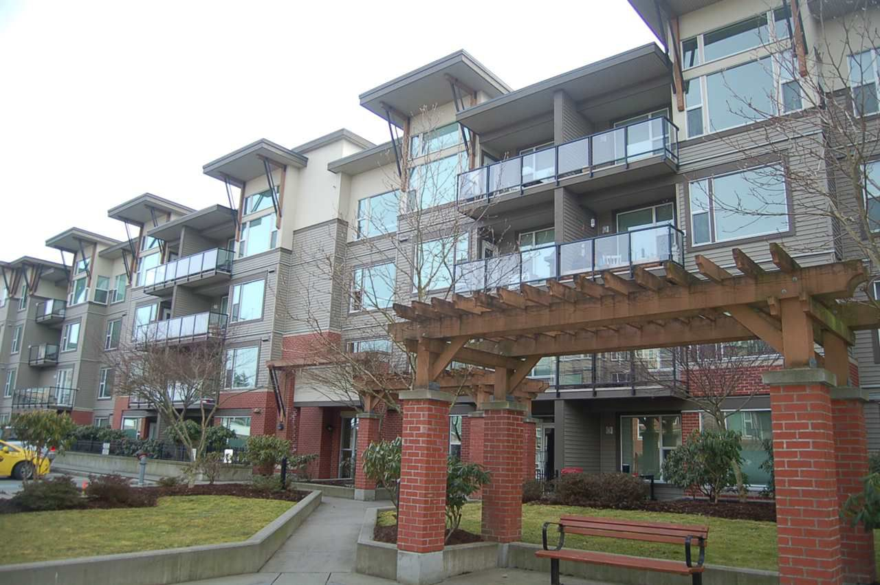 "Main Photo: 111 33539 HOLLAND Avenue in Abbotsford: Central Abbotsford Condo for sale in ""The Crossing"" : MLS®# R2349046"