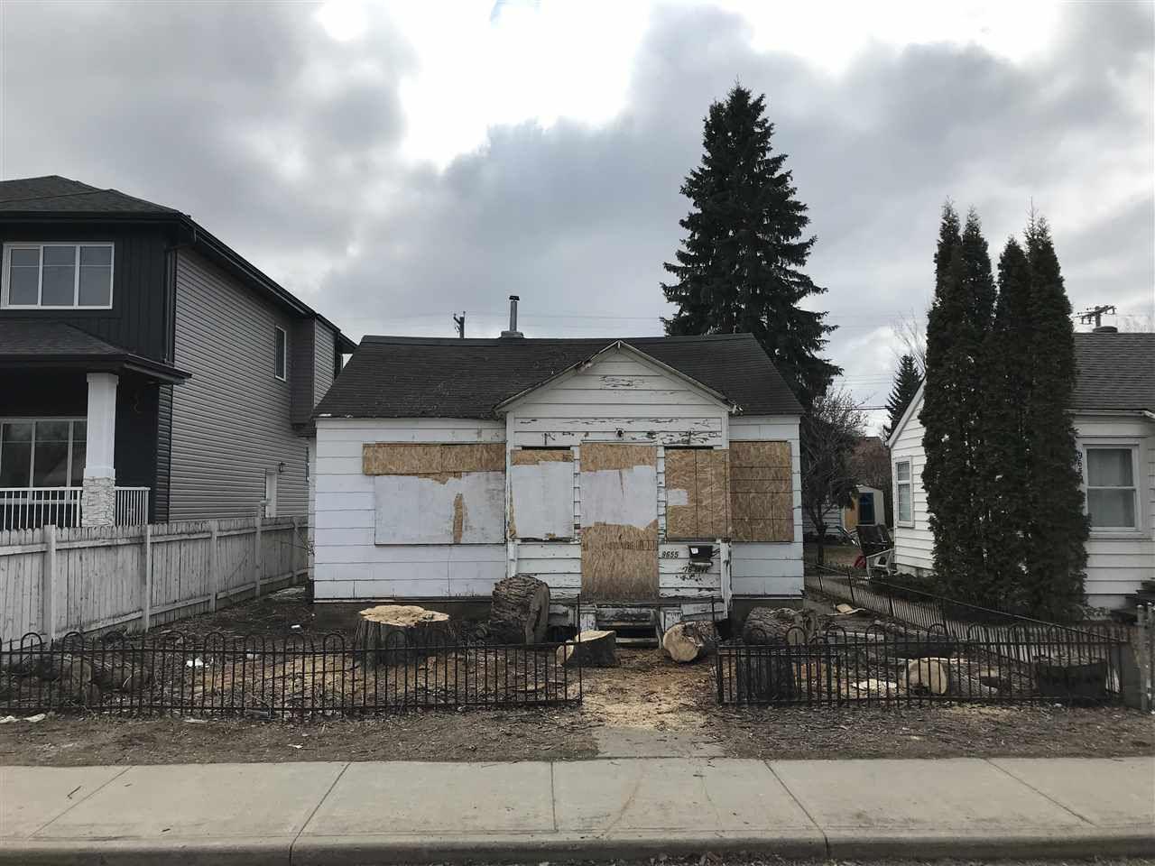 Main Photo: 9655 76 Avenue in Edmonton: Zone 17 Vacant Lot for sale : MLS®# E4151797