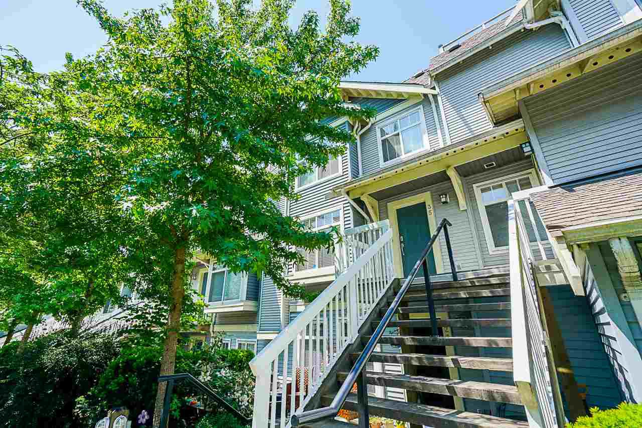 "Main Photo: 35 7488 SOUTHWYNDE Avenue in Burnaby: South Slope Townhouse for sale in ""LEDGESTONE I"" (Burnaby South)  : MLS®# R2374262"