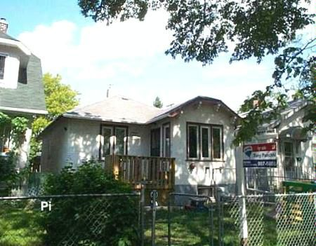 Photo 1: Photos: 470 Powers Street: Residential for sale (North End)  : MLS®# 2709803