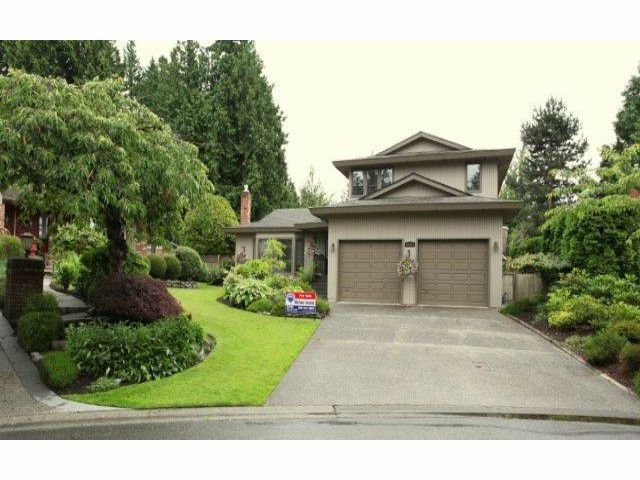 "Main Photo: 12622  OCEAN CLIFF DR in Surrey: Crescent Bch Ocean Pk. House for sale in ""ocean cliff"" (South Surrey White Rock)  : MLS®# F1315255"