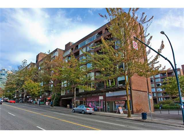 "Main Photo: 401 1330 BURRARD Street in Vancouver: Downtown VW Condo for sale in ""ANCHOR POINT"" (Vancouver West)  : MLS®# V1054569"