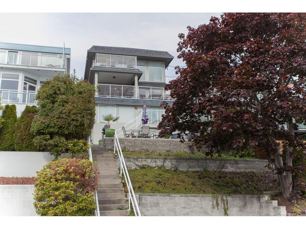 Main Photo: 15373 VICTORIA Avenue: White Rock House for sale (South Surrey White Rock)  : MLS®# R2114967