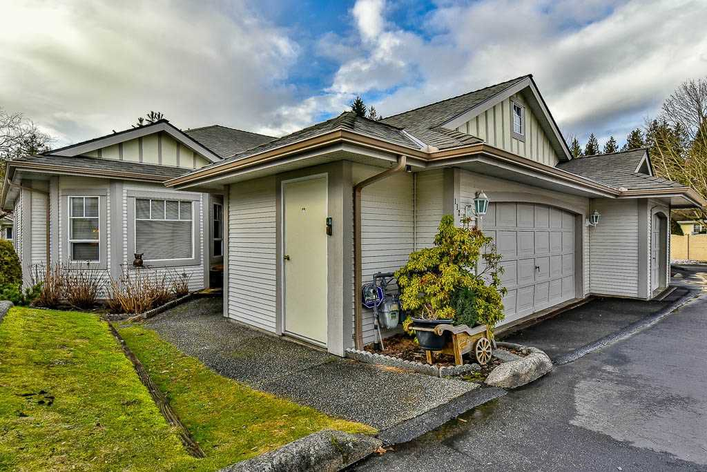 """Main Photo: 112 20655 88 Avenue in Langley: Walnut Grove Townhouse for sale in """"TWIN LAKES"""" : MLS®# R2138206"""