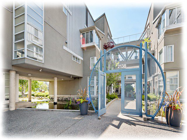 """Main Photo: 6 2138 E KENT AVENUE SOUTH in Vancouver: Fraserview VE Townhouse for sale in """"CAPTAIN'S WALK"""" (Vancouver East)  : MLS®# R2188923"""