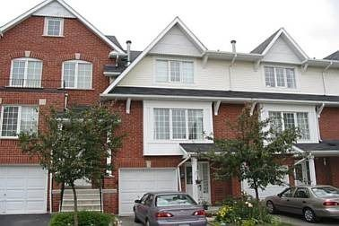 Main Photo: 25 1575 South Parade Court in Mississauga: East Credit Condo for lease : MLS®# W3922604