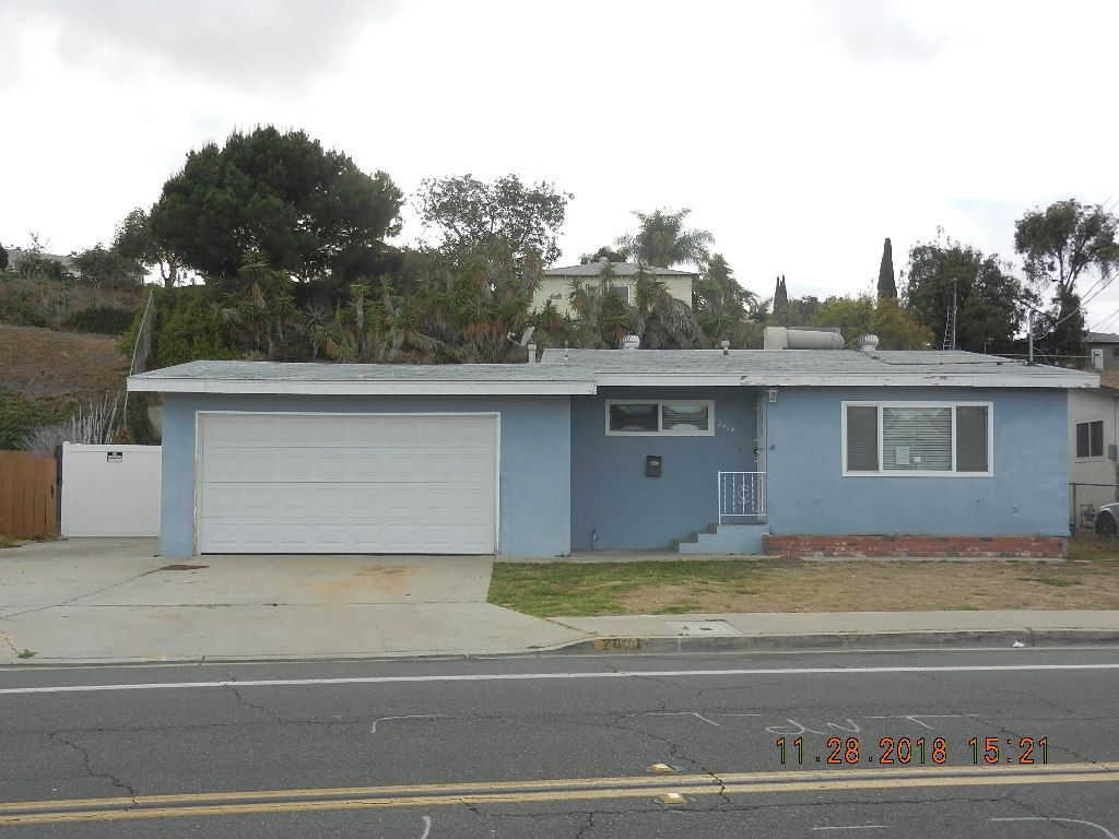 Main Photo: PARADISE HILLS House for sale : 3 bedrooms : 2474 Calle Tres Lomas in San Diego