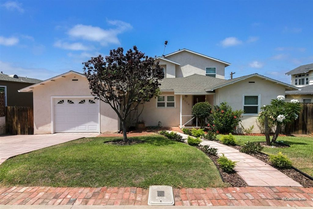 Main Photo: BAY PARK House for sale : 5 bedrooms : 2034 Frankfort St in San Diego