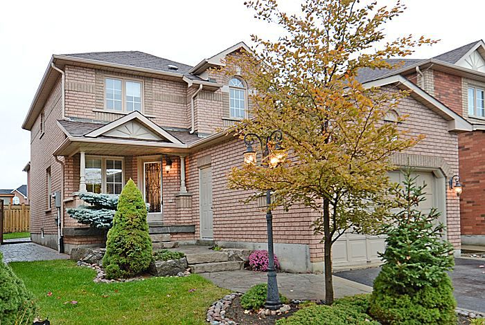 Main Photo: 51 National Crest in Brampton: Snelgrove House (2-Storey) for sale : MLS®# W2910714