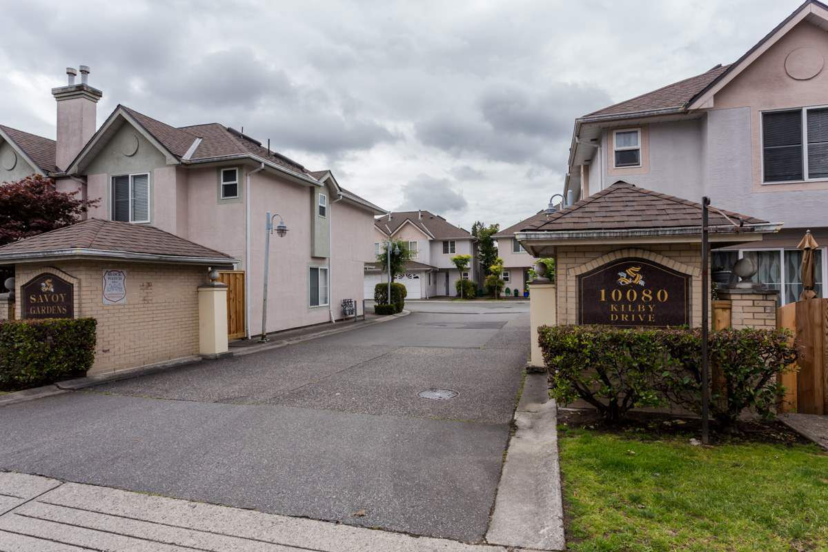 """Main Photo: 2 10080 KILBY Drive in Richmond: West Cambie Townhouse for sale in """"Savoy Gardens"""" : MLS®# R2084135"""