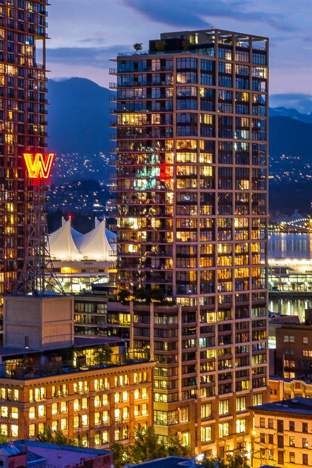 "Main Photo: 2503 128 W CORDOVA Street in Vancouver: Downtown VW Condo for sale in ""WOODWARDS W43"" (Vancouver West)  : MLS®# R2161032"