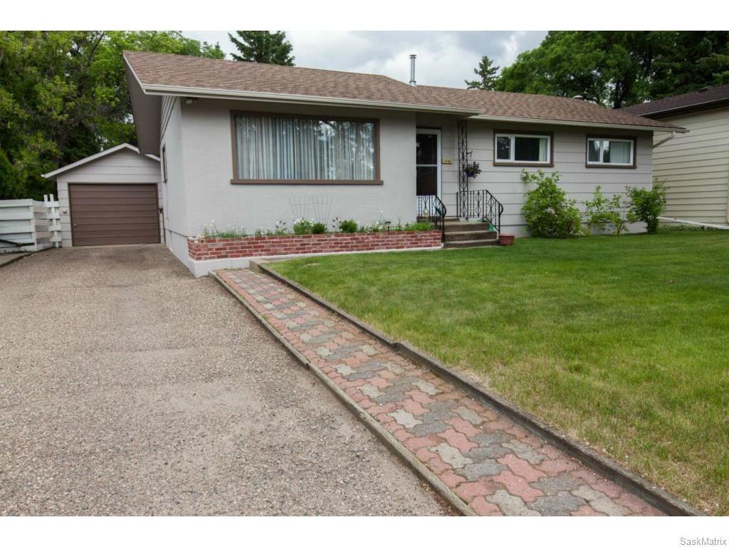Main Photo: 1709 Morgan Avenue in Saskatoon: Holliston Residential for sale : MLS®# 613470