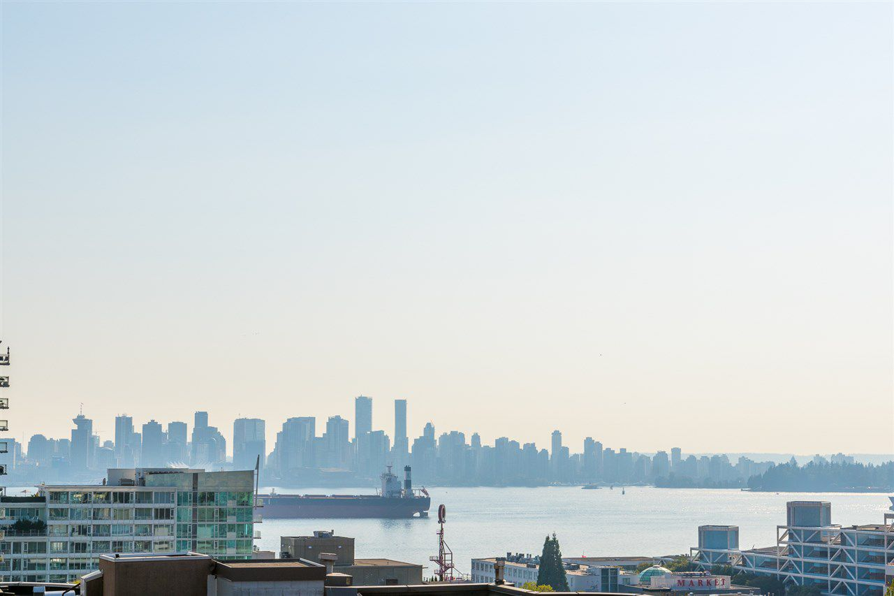 """Main Photo: 401 131 E 3RD Street in North Vancouver: Lower Lonsdale Condo for sale in """"The Anchor"""" : MLS®# R2204168"""
