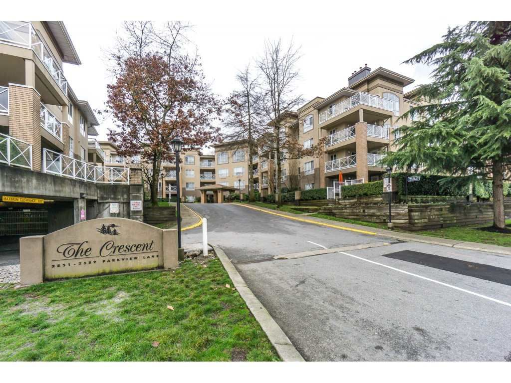 "Main Photo: 424 2551 PARKVIEW Lane in Port Coquitlam: Central Pt Coquitlam Condo for sale in ""THE CRESCENT"" : MLS®# R2228836"
