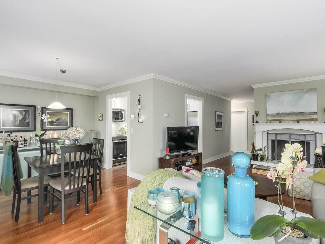 Main Photo: 102 1266 W 13TH AVENUE in Vancouver: Fairview VW Condo for sale (Vancouver West)  : MLS®# R2245170