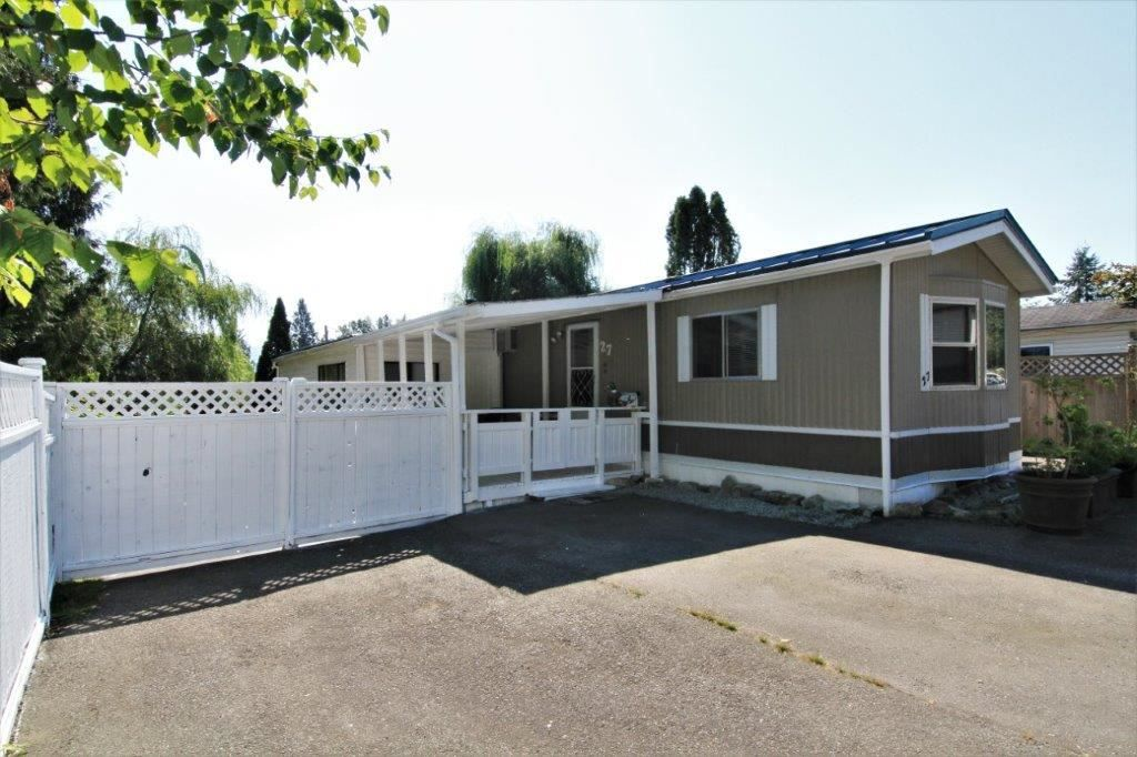 Main Photo: 27 10221 WILSON Street in Mission: Mission BC Manufactured Home for sale : MLS®# R2335370