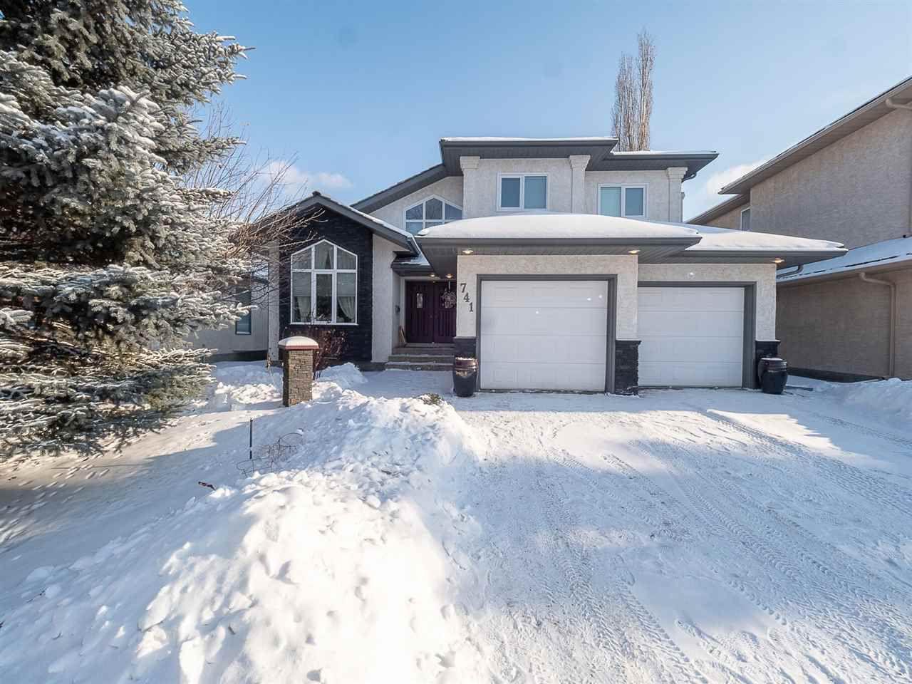 Main Photo: 741 BURTON Crescent in Edmonton: Zone 14 House for sale : MLS®# E4143438