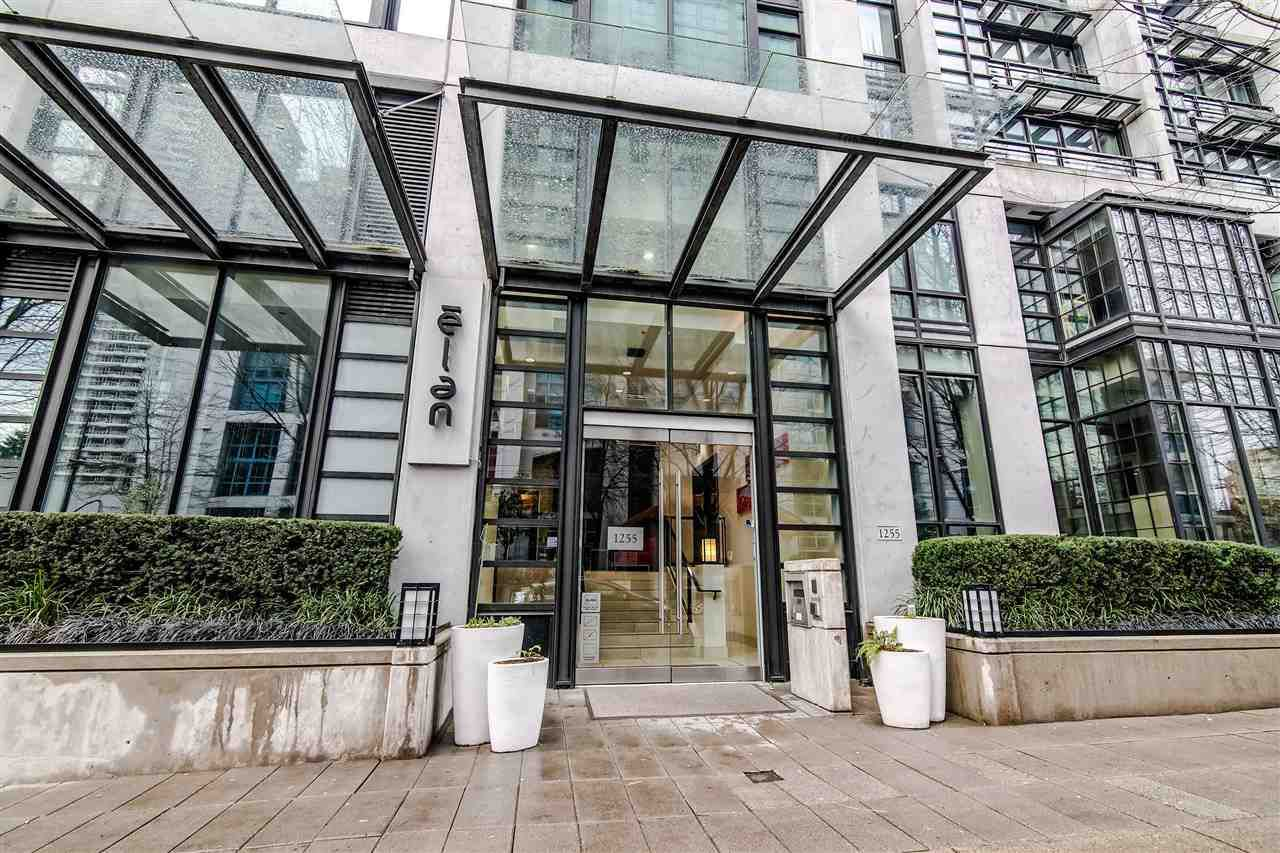 """Main Photo: 2104 1255 SEYMOUR Street in Vancouver: Downtown VW Condo for sale in """"Elan"""" (Vancouver West)  : MLS®# R2356850"""
