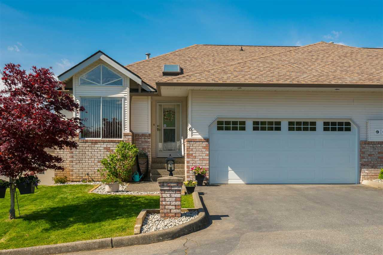 """Main Photo: 6 35035 MORGAN Way in Abbotsford: Abbotsford East Townhouse for sale in """"Ledgeview Terrace"""" : MLS®# R2364702"""