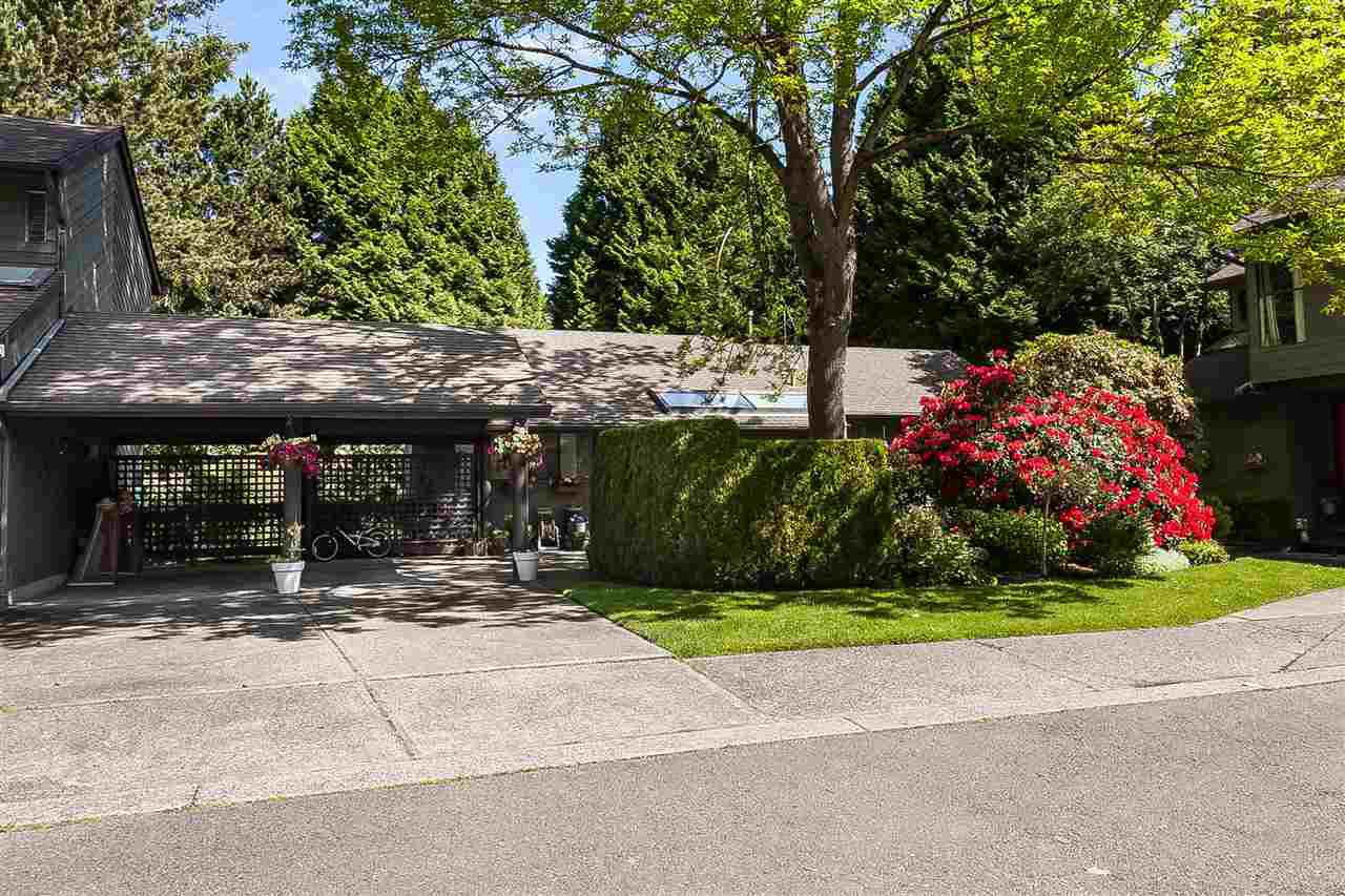 """Main Photo: 15937 ALDER Place in Surrey: King George Corridor Townhouse for sale in """"ALDER PLACE"""" (South Surrey White Rock)  : MLS®# R2371260"""