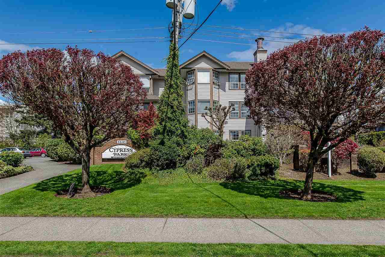 "Main Photo: 105 32145 OLD YALE Road in Abbotsford: Abbotsford West Condo for sale in ""Cypress Park"" : MLS®# R2373888"