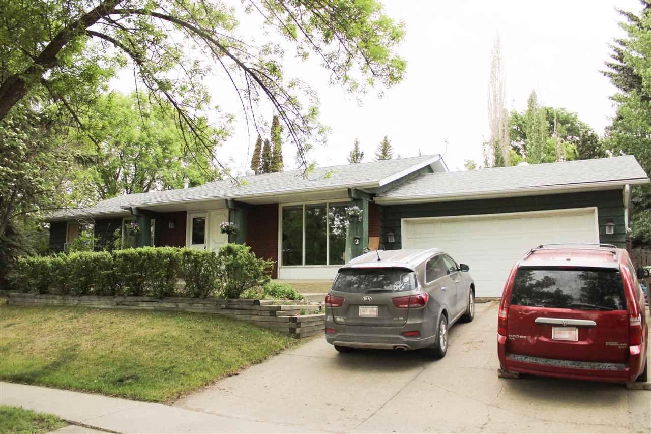Main Photo: 2 GRAHAM Avenue: St. Albert House for sale : MLS®# E4160523