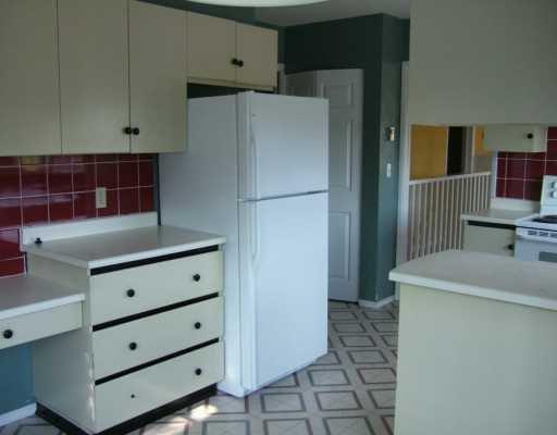 Photo 4: Photos: 5772 NEPTUNE Road in Sechelt: Sechelt District House for sale (Sunshine Coast)  : MLS®# V599973