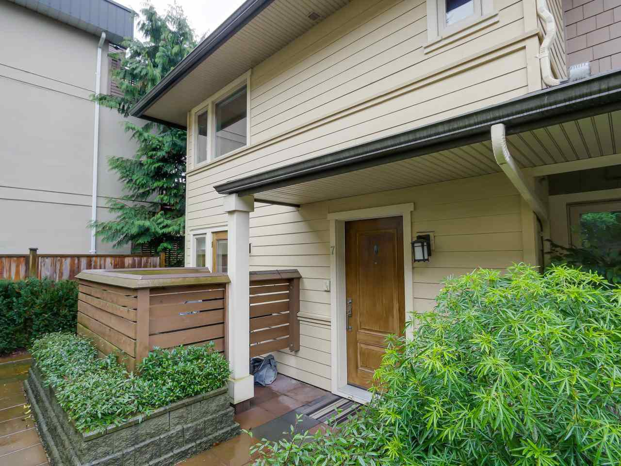 """Main Photo: 7 215 E 4TH Street in North Vancouver: Lower Lonsdale Townhouse for sale in """"Orchard Terrace"""" : MLS®# R2035024"""