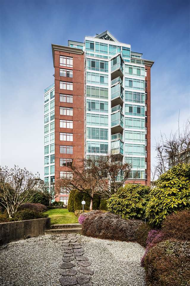 Main Photo: 1503 130 E 2ND Street in North Vancouver: Lower Lonsdale Condo for sale : MLS®# R2266705