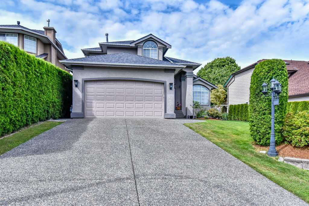 Main Photo: 19129 62A Avenue in Surrey: Cloverdale BC House for sale (Cloverdale)  : MLS®# R2284236