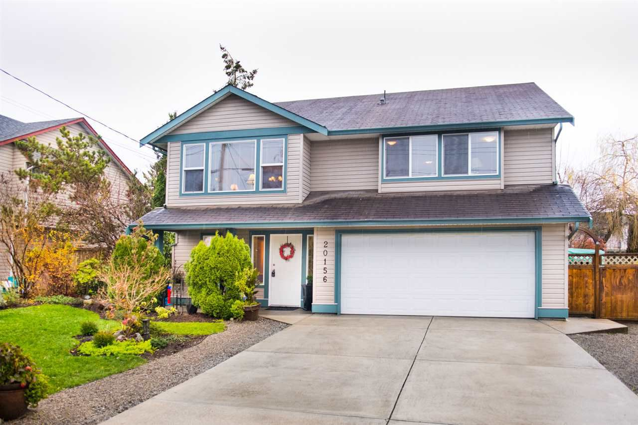 Main Photo: 20156 HAMPTON Street in Maple Ridge: Southwest Maple Ridge House for sale : MLS®# R2325044