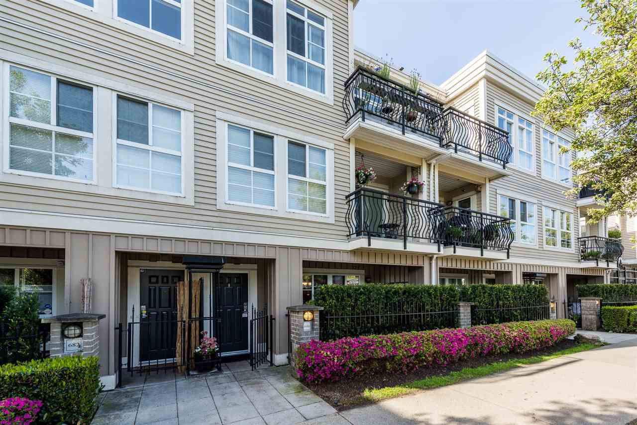 "Main Photo: 686 W 7TH Avenue in Vancouver: Fairview VW Townhouse for sale in ""LIBERTE"" (Vancouver West)  : MLS®# R2366957"