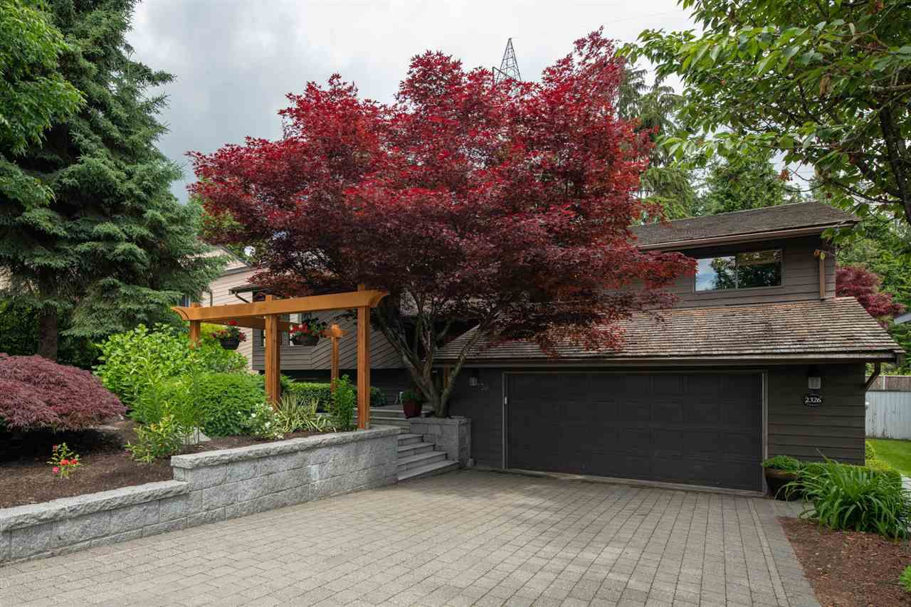 Main Photo: 2326 KIRKSTONE Road in North Vancouver: Lynn Valley House for sale : MLS®# R2378586