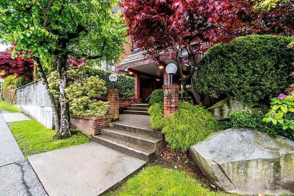 """Main Photo: 106 2710 LONSDALE Avenue in North Vancouver: Upper Lonsdale Condo for sale in """"The Lonsdale"""" : MLS®# R2382741"""