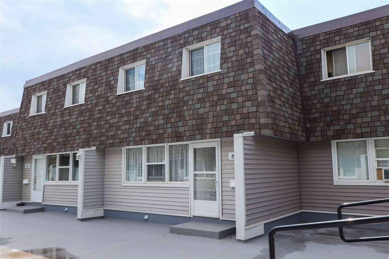 Main Photo: 613 VILLAGE ON THE Green in Edmonton: Zone 02 Townhouse for sale : MLS®# E4163727