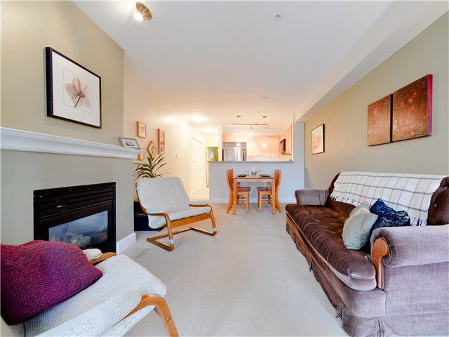 Main Photo: 203 3637 W 17TH Avenue in Vancouver: Dunbar Condo for sale (Vancouver West)