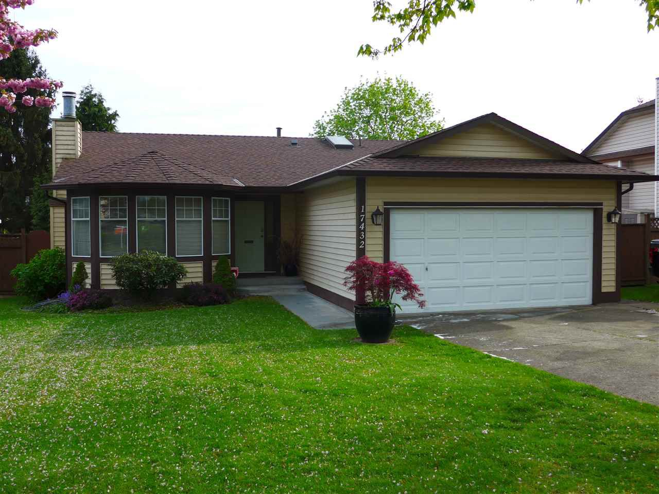 Main Photo: 17432 61A Avenue in Langley: Cloverdale BC House for sale (Cloverdale)  : MLS®# R2057236